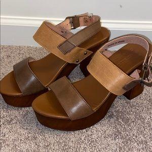 Musse & cloud clog sandal heels